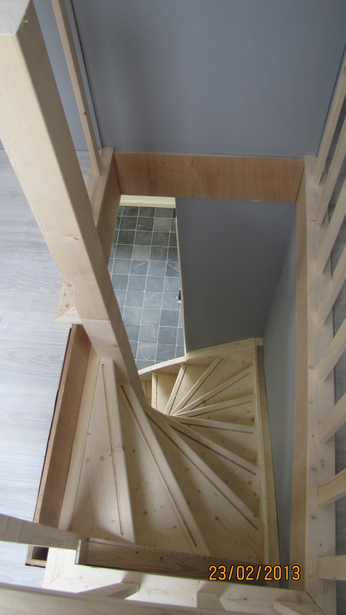 Zoldertrap beijes trappen bouw for Vurenhouten trap