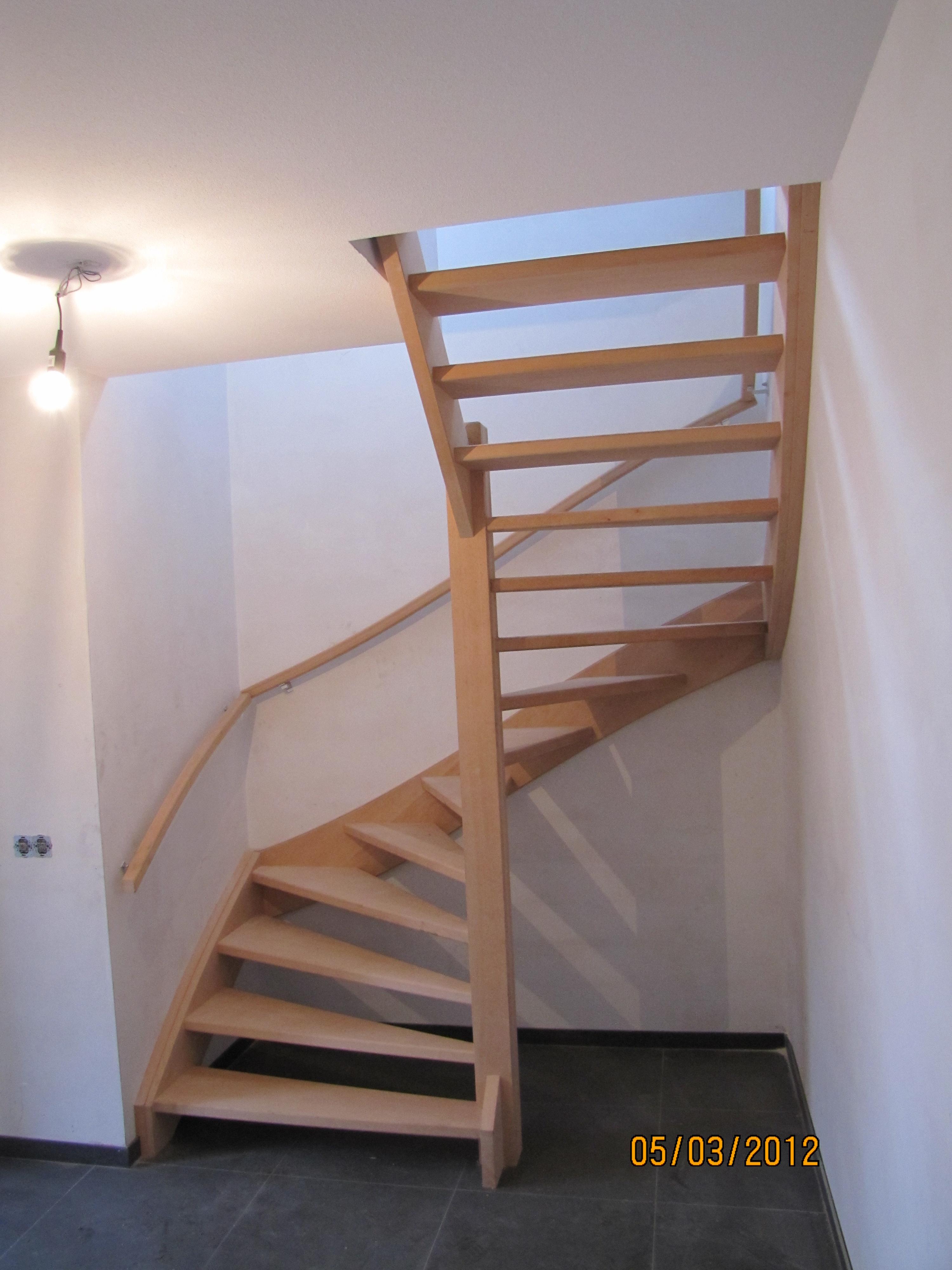 Beuken open trap met dubbelkwart beijes trappen bouw for 2 kwart trap